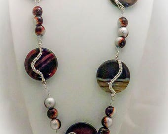 Agate Necklace, Earrings, and Pendant Set