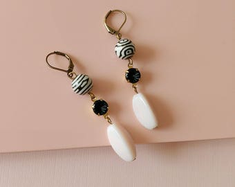 Stripes Earrings - Black and White - Retro - Vintage Beads - Zebra - Powder Pink Black - Alma Earrings (SD886)