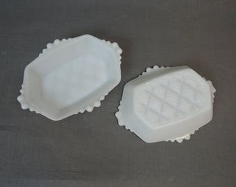 2 Vintage Milk glass Dishes, Small Serving or Candy Dish, 7x5 inches Milkglass