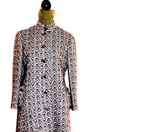 Mod vintage 60s, white and a plum , zigzag pattern,  tapestry  texture coat. Size 6. Union Made.
