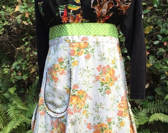 Cute Apron Country Western apron  Womens aprons. Cowgirl Apron Fun apron just for you cowgirls Western halter with pretty vintage apron cool