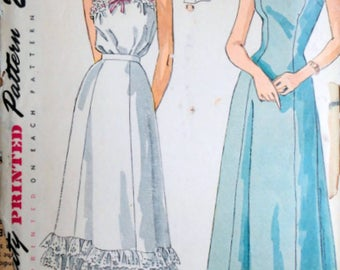 Vintage 40's Simplicity 2643 Sewing Pattern,  Misses Slip, Petticoat & Camisole, Lingerie, Size 14, 32 Bust, Sexy 1940's Undergarment