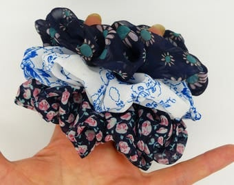 3 Hair Scrunchies. Hair elastic. Hair bands. Hair ties. Pack of 3 chiffon hair scrunchies. Print hair scrunchies. 3 Chiffon scrunchies.