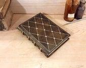 Lederbuch, braun mit Gold Dekoration, ein kleiner Schatz