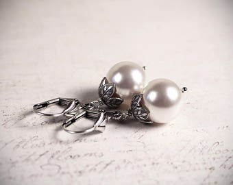 Large Pearl Earrings, Renaissance Bridal Jewelry, Victorian White Pearls, Victorian Wedding, Ren Faire Costume, Handfasting, Garb, Aquitaine