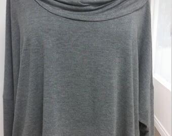 Haut ample, col tombant asymétrique, jersey souple, taille unique