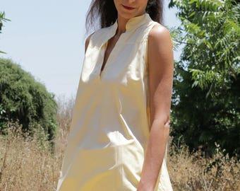 Women's clothing M - L  /Chinese collar tunic   / Cotton tunic/ oversize tunic/ banana color tunic / sleeveless tunic / Boho chic / oversize