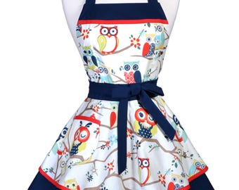 Womens Ruffled Retro Apron . Navy Blue and White Winking Owls Womans Cute Vintage Pinup Flirty Kitchen Apron to Personalize or Monogram (CS)