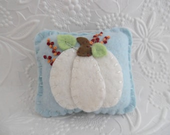 Felt Pumpkin Pincushion White Wool Primitive Berries Felted Penny Rug