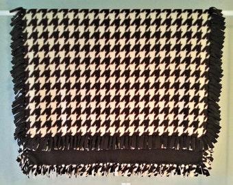 Fleece Blanket - Hand-Tied Fringe Throw - Houndstooth Theme - Chocolate And Cream