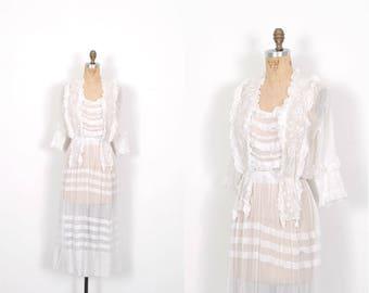 Vintage 1910s Dress / Edwardian White Cotton Lawn Dress / Ruffled ( XS extra small )