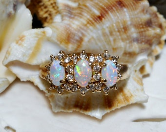 14k Australian Opal and Diamond Ring 3.07 grams Size 6.75