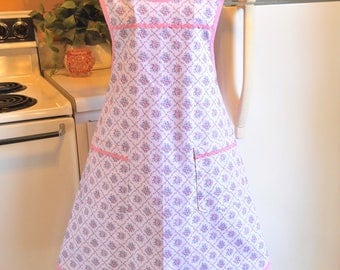 Old Fashioned Size XXL Grandma Style Apron in Pink Roses