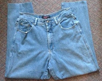 Vintage Women's Mom Jeans Made By Gloria Vanderbilt Size 14 High Waisted 100% Cotton