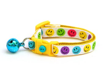 Smiley Face Cat Collar - The Happiest Cat in the World on White - Kitten or Large Size
