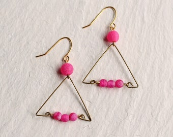 Neon Pink Earrings ... Triangle Vintage 1980s 1990s Nineties Brass Hot Pink Beads