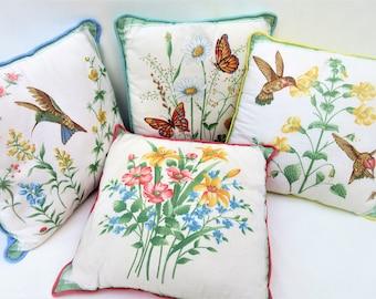 1960s Decorative Pillows | Pastel Accent Pillows | Throw Pillows | Sofa Pillows | Hummingbirds | Set of 4