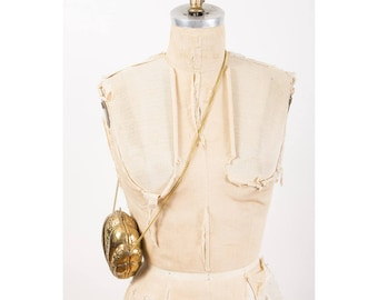 Vintage brass clam shell purse / 1970s India metallic evening clutch bag