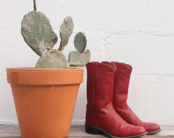 5.5 M | J. Chisholm Red Pull On Roper Boots