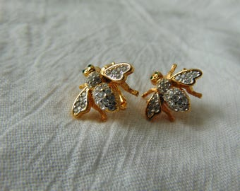 joan rivers clear green crystal bee earrings clip ons signed vintage jewelry gold plated