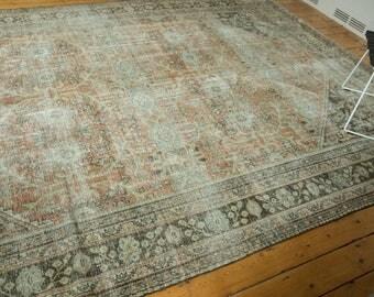 9x12.5 Vintage Distressed Mahal Carpet