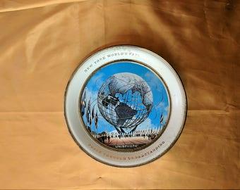 New York Worlds Fair 1964 1965 Unisphere Metal Decorative Plate tin souvenir *eb