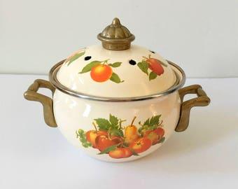 Vintage Enamel Pot, Floral, Flower Planter, Retro Kitchen, 50's, Countryside, Shabby Chic, Fall Decor, Garden, Rustic, Old Enamel