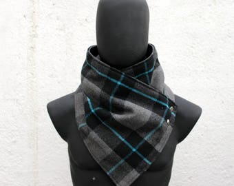 Mens and Womens Scarf.Unisex Cowl,Comfy & warm, Plaid wool, checkered pattern,metallic snaps.Blanket scarf. Mens winter. Husband gift.