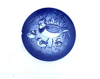 Vintage BLUE Jay MOTHERS Day Wall Plate / 1988 MORS Day Denmark Wall Hanging