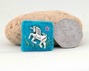 little unicorn badge, handmade unicorn gifts, unicorn teenager, unicorn birthday for girls, anything unicorns, UK sewn felt gifts for girls