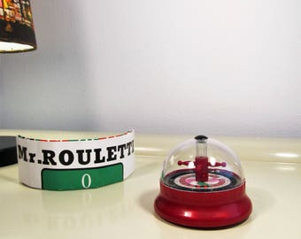 Vintage Collector Original  'Jeu De Roulette' Wheel with original plastic box Betting Board Wind Up Toy Pleasant Time Space Toy 70s