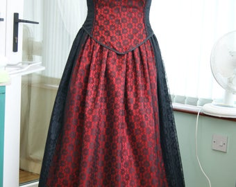 Red and Black lace satin corset basque and skirt ballgown steampunk goth UK size 14 OBSIDIAN