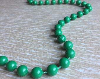 Long Emerald Green Plastic Bead Vintage Dimestore Necklace