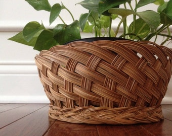 SALE / vintage woven wicker basket / planter