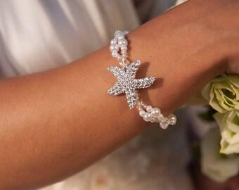 Starfish Beach wedding bracelet, Sea star Bridal jewelry, Gift for her, Bridesmaid gift, Gift for women, Elastic pearl bracelet