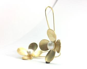 Flower Earrings, Flower dangle earrings, Pearl dangle earrings, Birthday gift for her, Personalized jewelry, June birthstone earrings