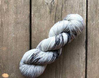 Hand-dyed Yarn - Silent Colorway - Hand-painted Yarn - Merino Wool Yarn - Indie-dyed Yarn