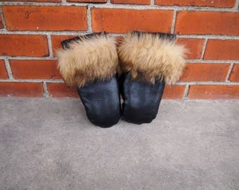 black leather fur mittens / mitts gloves