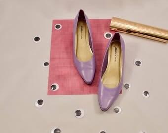 pointed toe pumps / lavender flats / mininmalist / 9.5 - 40 / pointy toe flats / low heel pumps / pastel / purple loafers / kitten heel