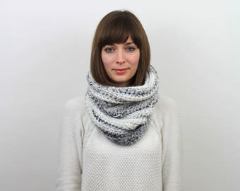 Chunky Knit Cowl Scarf Wool Neckwarmer | THE STRASBOURG