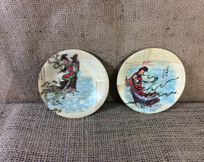 Vintage Asian decor, small bamboo decorative plates with lacquered designs, vintage Japanese decor, set of two plates, housewarming gift