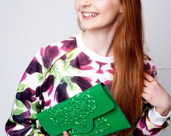 Clutch purse / vegan clutch bag / green vinyl handbag / embossed floral print / 100% vegan / fits phone & essentials / lucky green clutch
