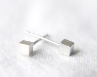 Cube stud earrings- Minimalist earrings- Geometric jewellery- Stud earrings- Cube earrings- Minimalist jewellery- Gift for her