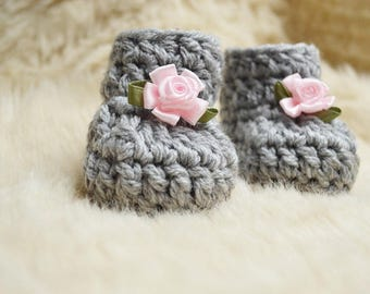 Light gray Baby Girl Shoes, Gray Newborn Shoes, Gray Baby Booties, New baby shoes, Newborn Baby Booties, Baby Shower gift, Baby photo prop