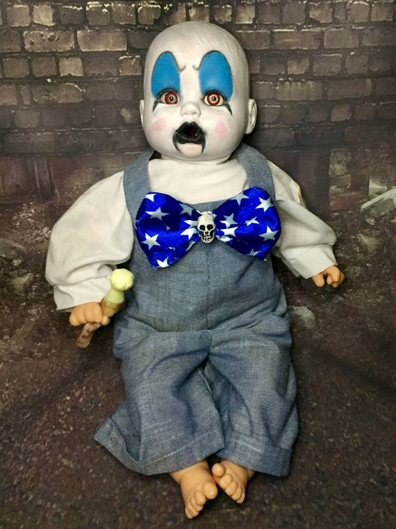 Captain Spaulding Clown Baby Undead Serial Killer Devils Rejects Sid Haig House Of 1000 Corpses Zombie Biohazard Baby