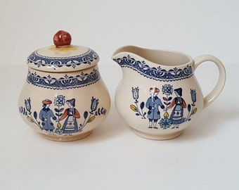 Johnson Brothers Hearts & Flowers Cream and Sugar Set