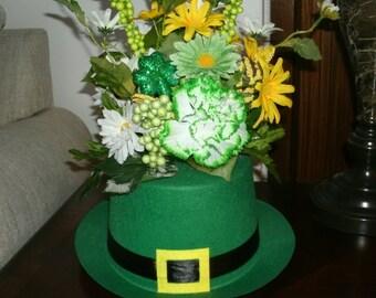 St Patty's Day Centerpiece, Table Floral Arrangement, Green Centerpiece, Holiday Table Decor, Home Decor, Office Decor, Seasonal Decor,