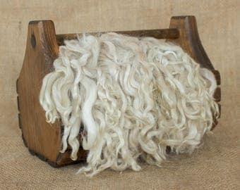 Beige Suri Alpaca Locks: 1 ounce (Lizzett) Fiber for Felting, Spinning or Doll Hair