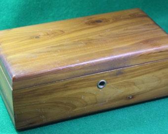 Vintager Dealership Promotional Lane presentation Cedar Hope Chest - Roark Furniture company, Laura Ohio Salesman Sample