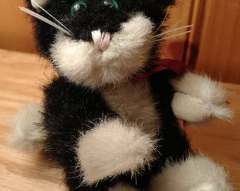 The Boyds Collection Ltd. Tuxedo Cat